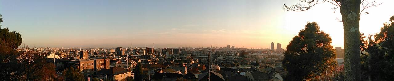梅林公園から神戸の街を望む写真